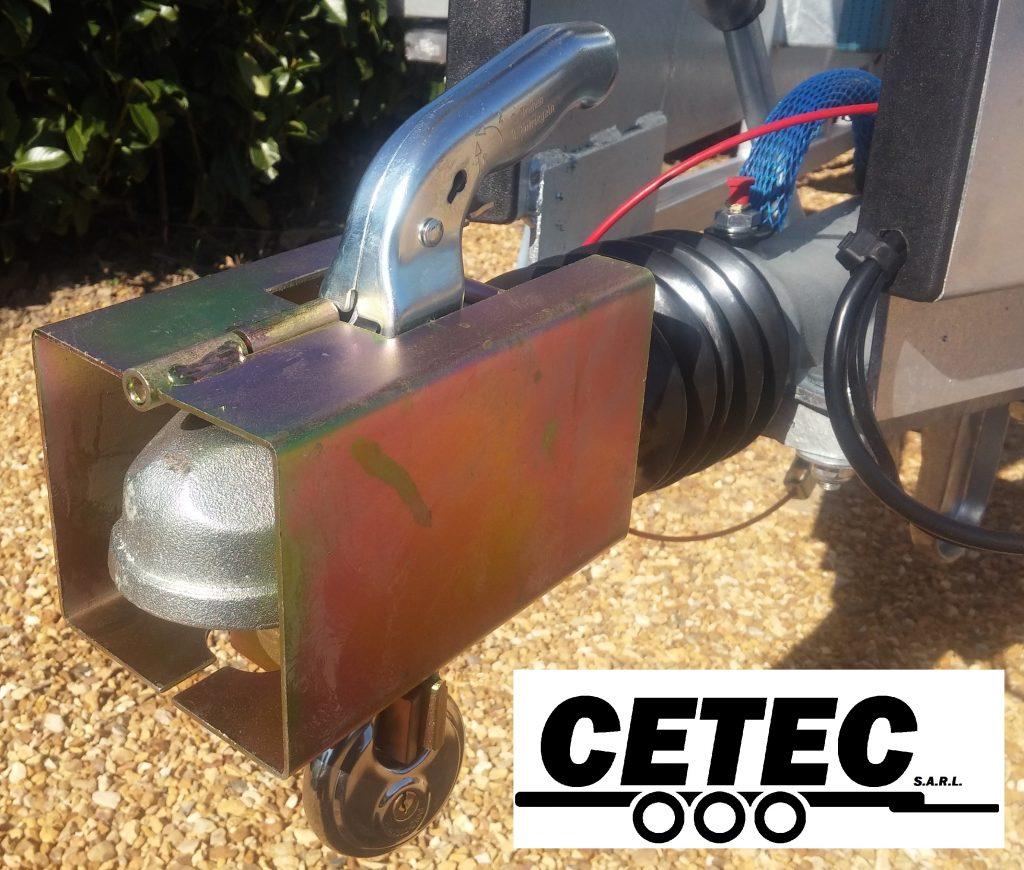 CETEC France Option N°13 - Antivol tète d'attelage à cadenas